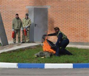 Гелевая огнетушащая накидка-самоспасатель МАНТОС